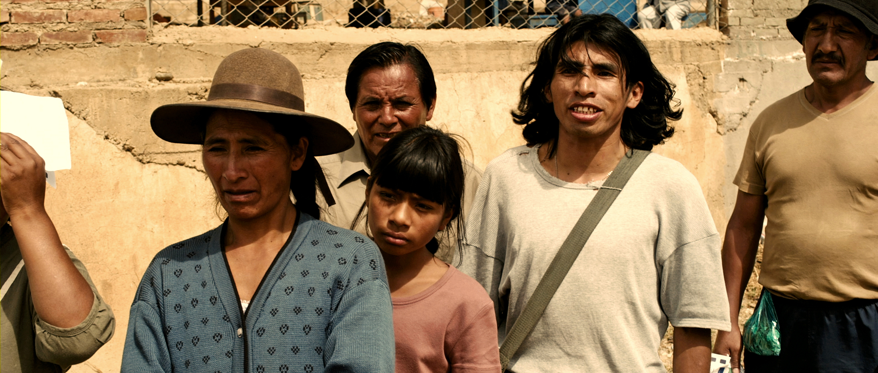 a movie analysis of tambien la lluvia Tambien la lluvia - even the rain is a spanish language drama about the making of a film in bolivia about the genocide of the native people by the spanish under the leadership of christopher columbus.